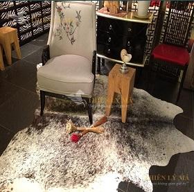 Thảm da bò là gì? Tại sao nên chọn mua thảm da bò tại Thiên Lý Mã?
